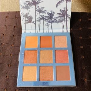 BEAUTY CONCEPTS EYESHADOW PALETTE